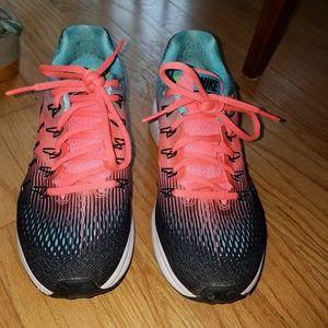 Women's Nike Zoom - size 7.5